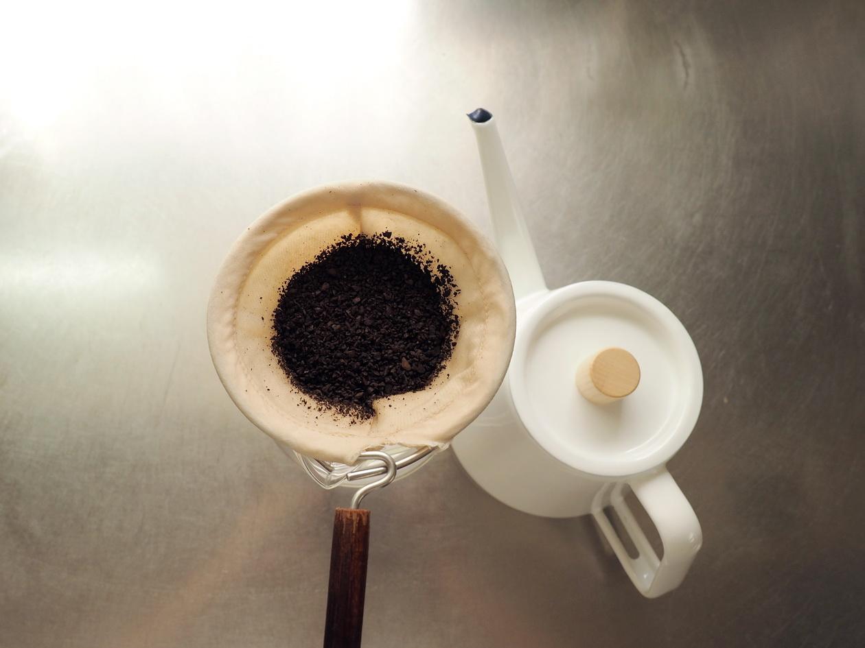コーヒー豆の通販_購入のマタタビ珈琲豆店_エチオピアをネルドリップで抽出