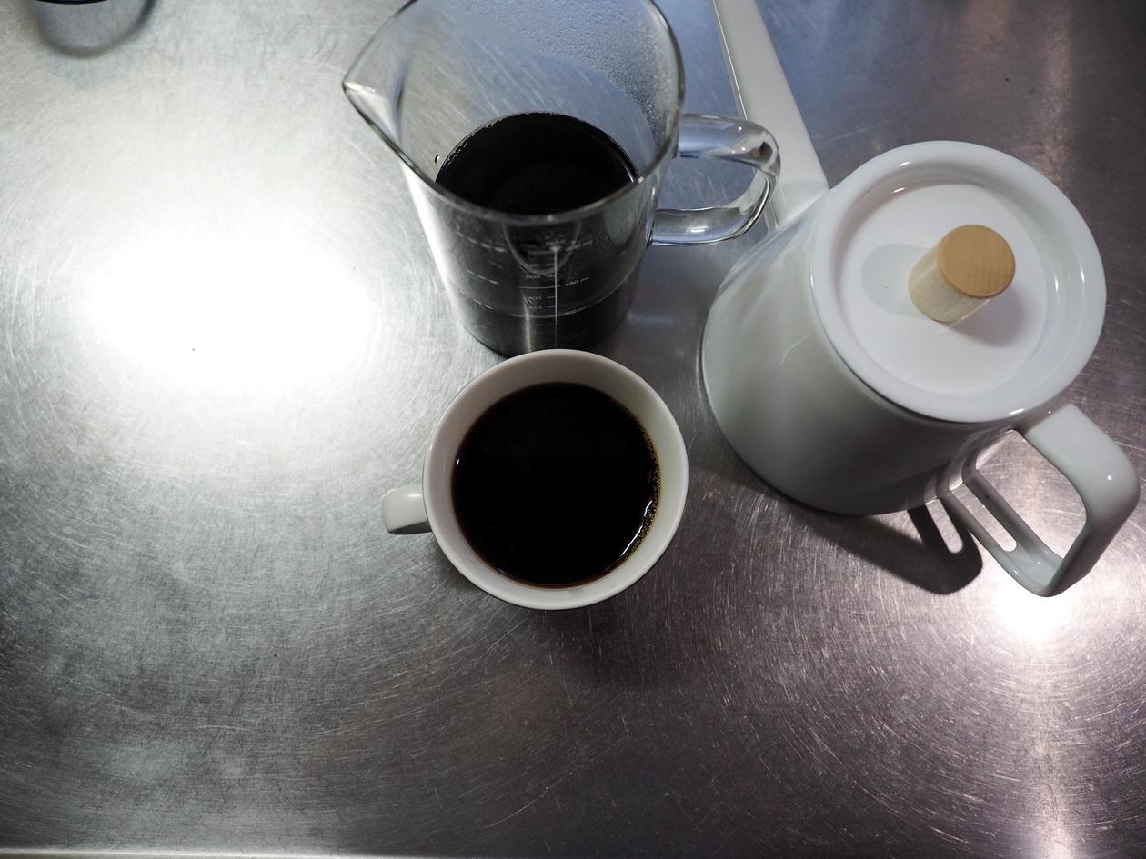 コーヒー豆の通販_購入のマタタビ珈琲豆店_マンデリンの抽出完了(ペーパードリップ)