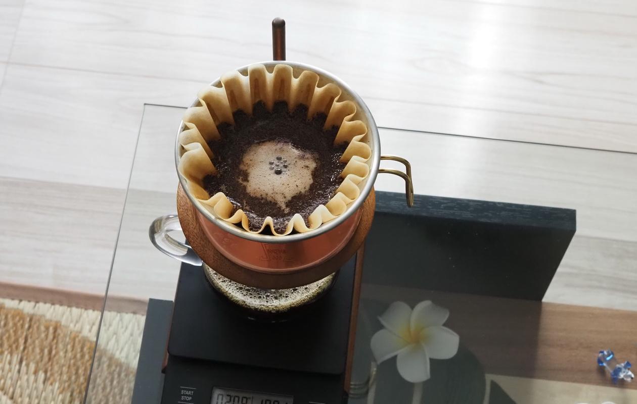 NaoCoffeeのNao Blend-コーヒーの抽出-