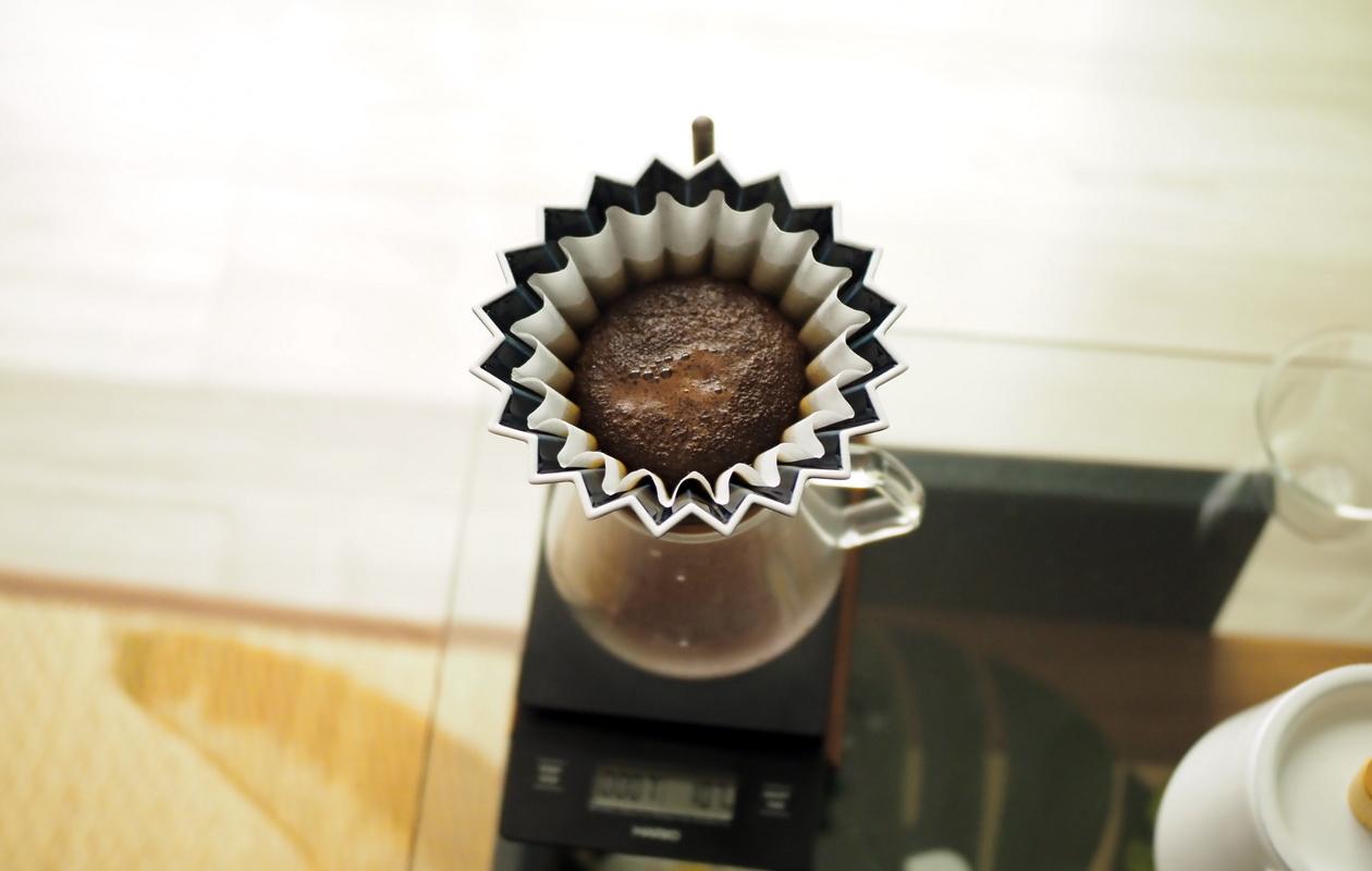 Nif Coffeeの「ふつう」コーヒーの抽出-蒸らし中-