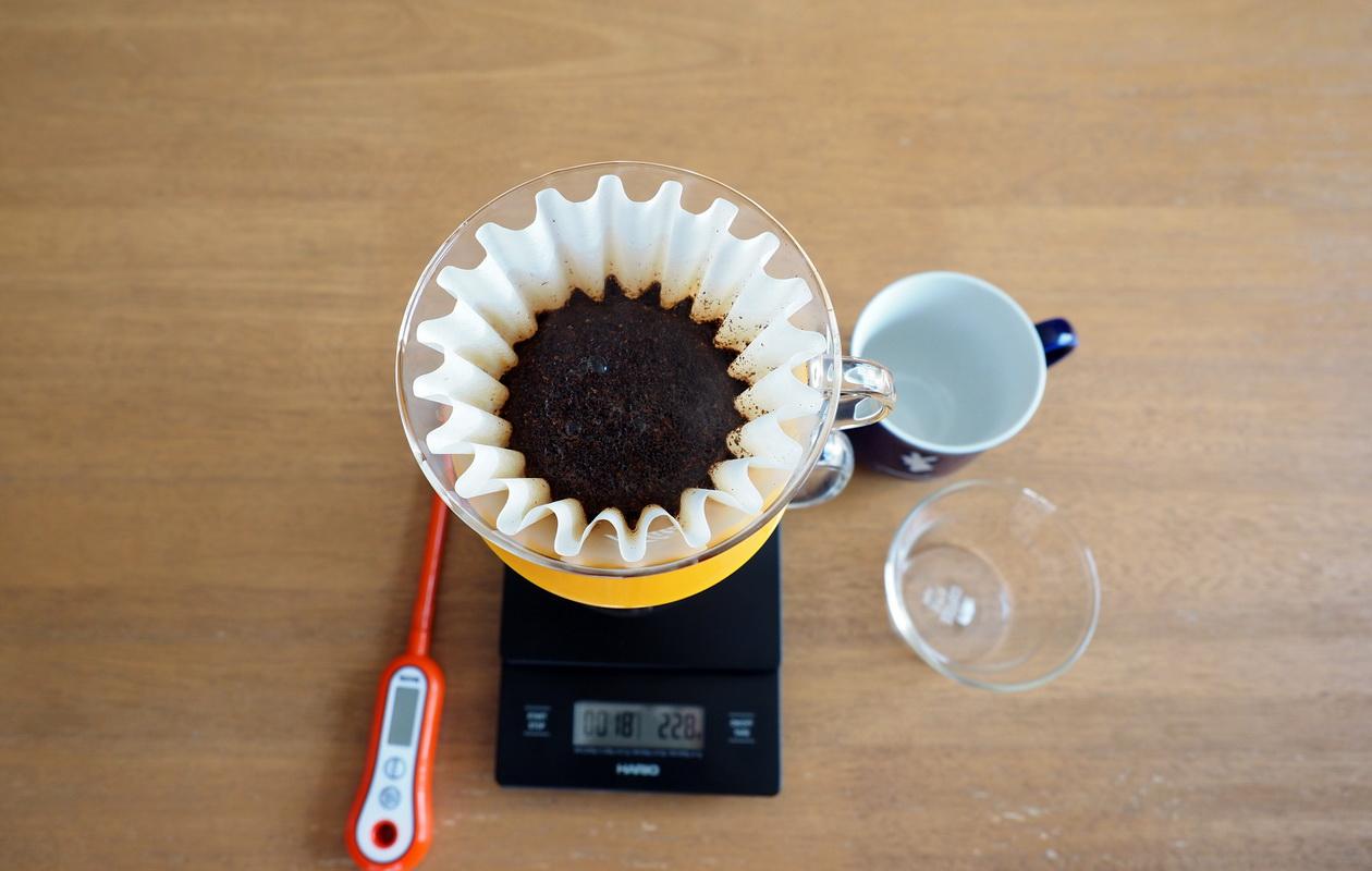 通販で藤田珈琲からコーヒー豆のお取り寄せ_プレミアムラオスブレンド_蒸らし