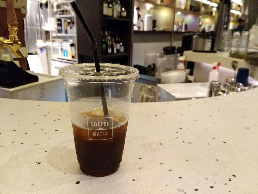 coffee mafia(コーヒーマフィア)銀座_QUICK CUPのアイスコーヒーLサイズ