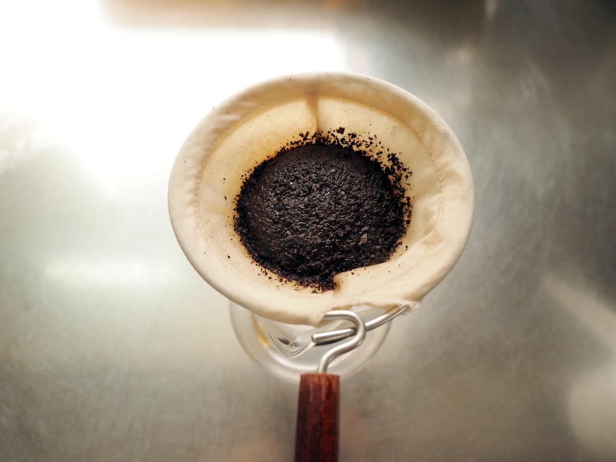 コーヒー豆の通販_購入のマタタビ珈琲豆店_エチオピアの蒸らし(ネルドリップ)