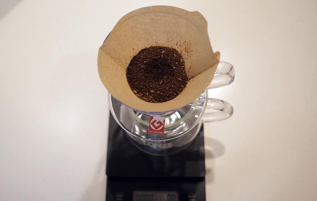 仙台のカフェ デアストア(darestore)のコーヒー_ブラジル サンタカタリーナ農園の抽出はV60でドリップする